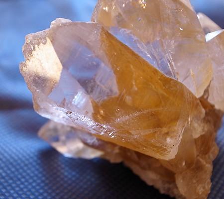 ヒマラヤ水晶原石特殊内包物011-5
