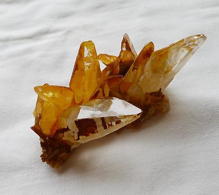 ヒマラヤ水晶原石特殊内包物014-2