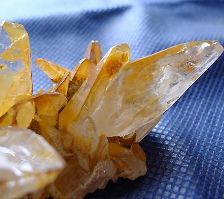 ヒマラヤ水晶原石特殊内包物014-8