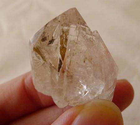 ヒマラヤ水晶原石特殊内包物019-7