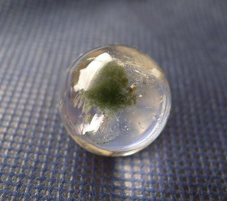 ヒマラヤ水晶丸玉内包物入り001-2