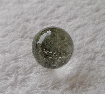 ヒマラヤ水晶丸玉内包物入り002-7