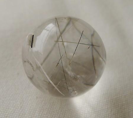 ヒマラヤ水晶丸玉内包物入り004-2