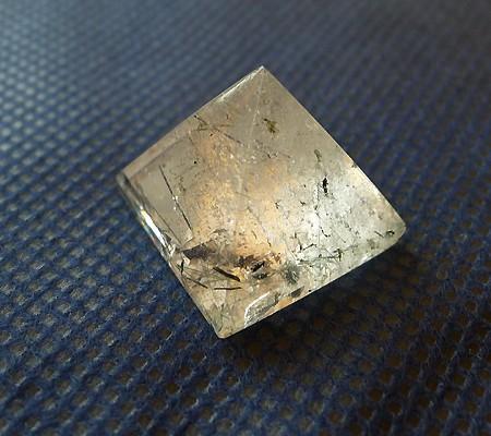ヒマラヤ水晶丸玉内包物入り005-2
