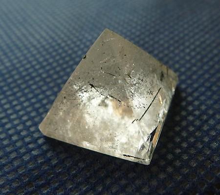 ヒマラヤ水晶丸玉内包物入り005-4