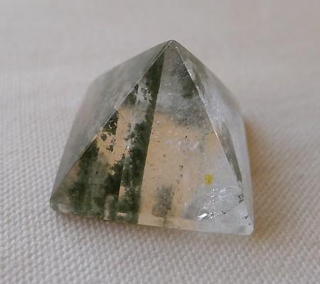 ヒマラヤ水晶丸玉内包物入り006-3