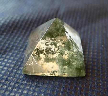 ヒマラヤ水晶丸玉内包物入り006-6