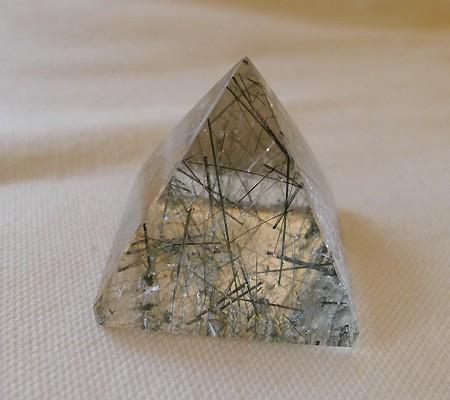 ヒマラヤ水晶丸玉内包物入り007-2