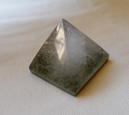 ヒマラヤ水晶丸玉内包物入り008-3