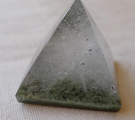 ヒマラヤ水晶丸玉内包物入り008-4