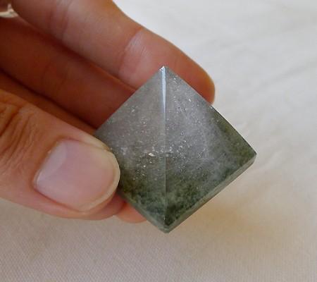ヒマラヤ水晶丸玉内包物入り008-9