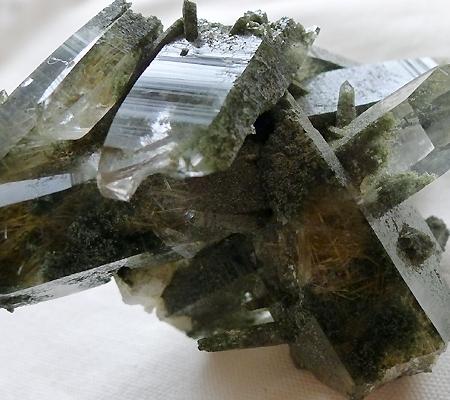 ヒマラヤ水晶原石緑泥石入り023-4