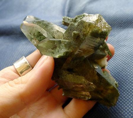 ヒマラヤ水晶原石緑泥石入り023-8