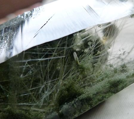 ヒマラヤ水晶原石緑泥石入り024-12