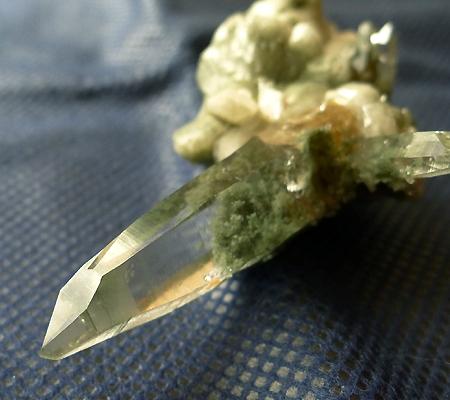 ヒマラヤ水晶原石緑泥石入り025-3