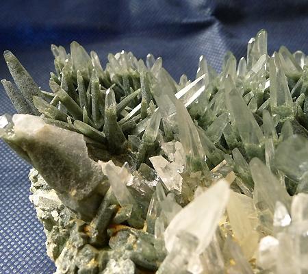ヒマラヤ水晶原石緑泥石入り028-3