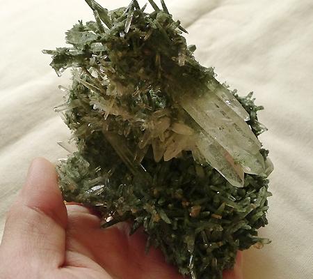 ヒマラヤ水晶原石緑泥石入り029-11
