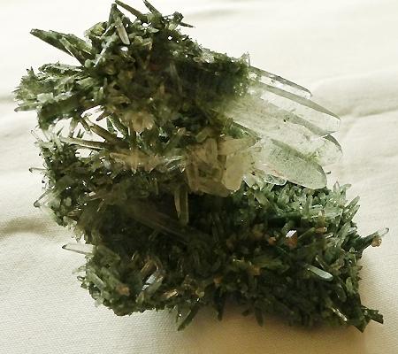 ヒマラヤ水晶原石緑泥石入り029-2