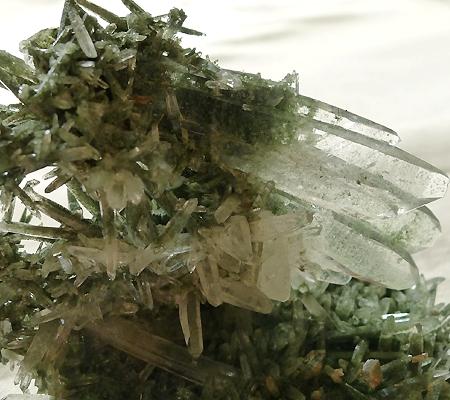 ヒマラヤ水晶原石緑泥石入り029-3