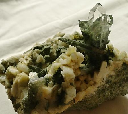 ヒマラヤ水晶原石緑泥石入り031-2
