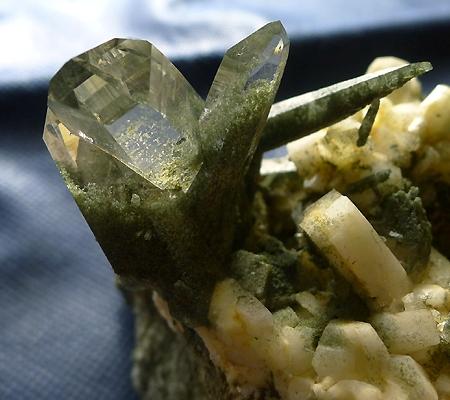 ヒマラヤ水晶原石緑泥石入り031-8