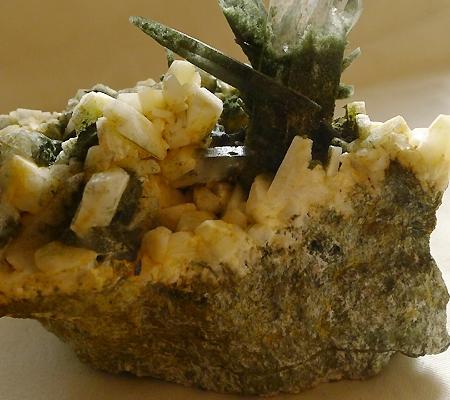 ヒマラヤ水晶原石緑泥石入り031-9