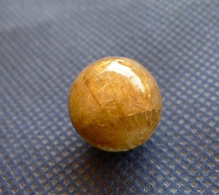 ヒマラヤ水晶丸玉内包物入り010-2