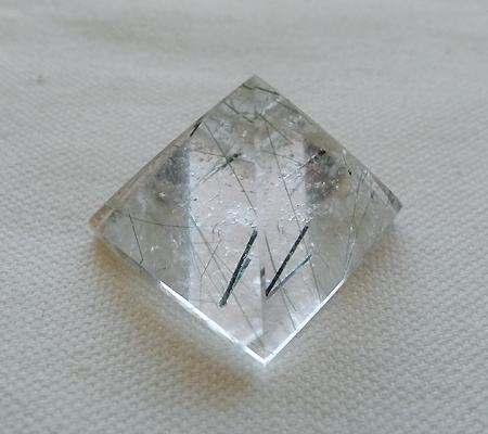 ヒマラヤ水晶丸玉内包物入り012-4