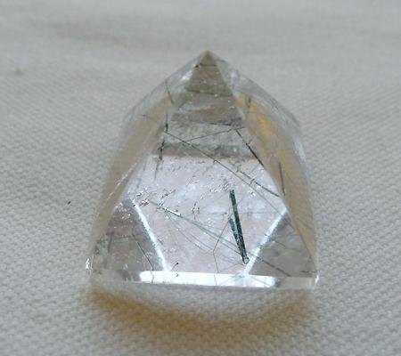 ヒマラヤ水晶丸玉内包物入り012-5