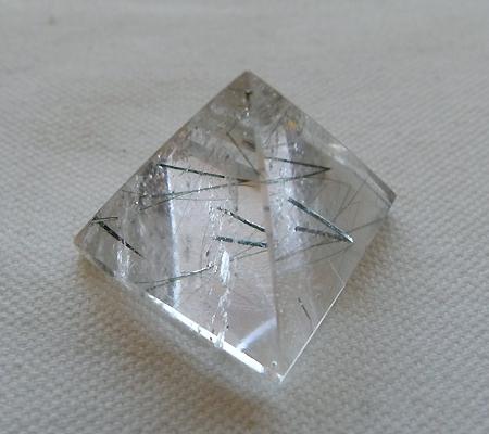 ヒマラヤ水晶丸玉内包物入り012-6