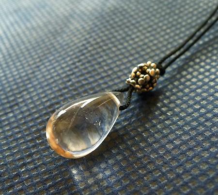 ヒマラヤ水晶紐付きチョーカー017-2