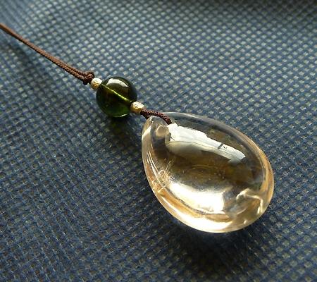 ヒマラヤ水晶紐付きチョーカー024-4