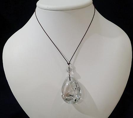 ヒマラヤ水晶紐付きチョーカー内包物入り018-10