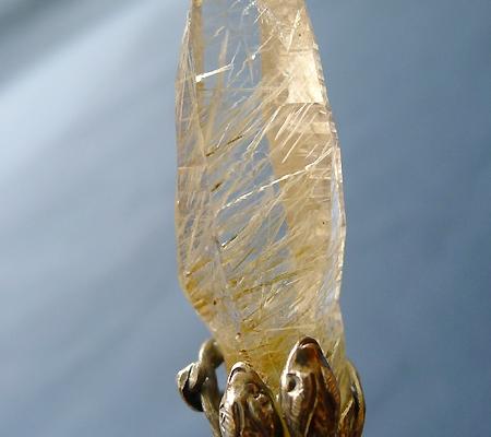 ヒマラヤ水晶ペンダント針金形状内包物入り048-3