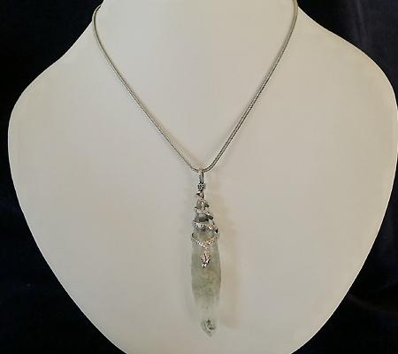 ヒマラヤ水晶ペンダント特殊形状023-10