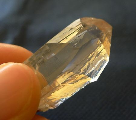 ヒマラヤ水晶原石ミラー水晶015-5