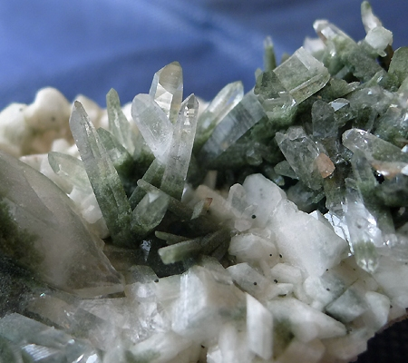 ヒマラヤ水晶原石緑泥石入り034-3