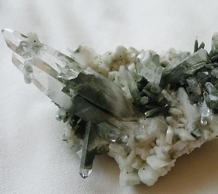 ヒマラヤ水晶原石緑泥石入り034-8