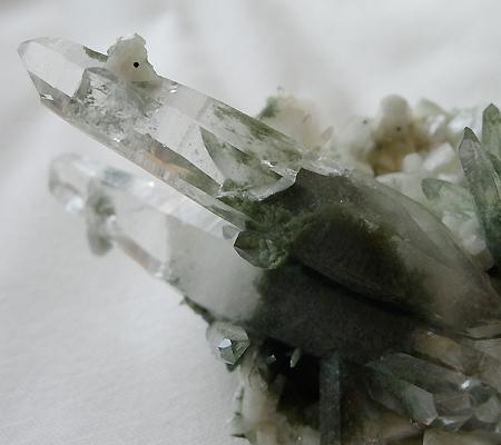 ヒマラヤ水晶原石緑泥石入り034-9