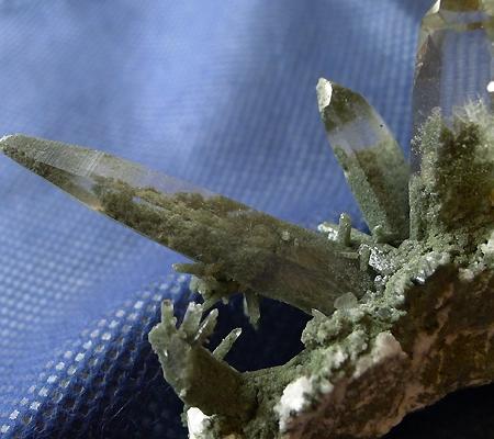 ヒマラヤ水晶原石緑泥石入り035-2