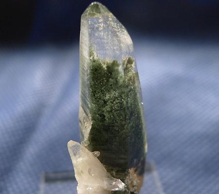 ヒマラヤ水晶原石緑泥石入り037-2