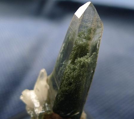 ヒマラヤ水晶原石緑泥石入り037-3