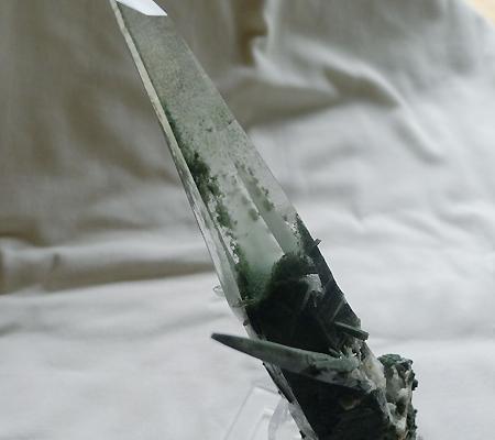 ヒマラヤ水晶原石緑泥石入り040-10
