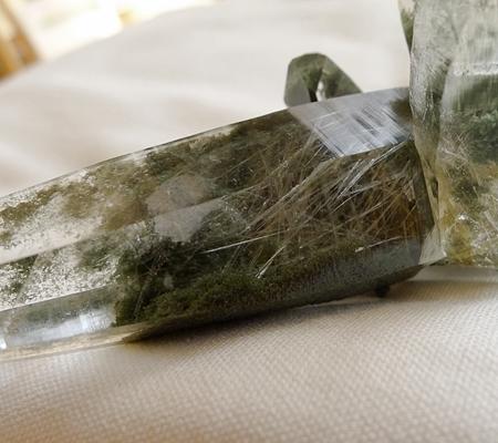 ヒマラヤ水晶原石緑泥石入り041-10