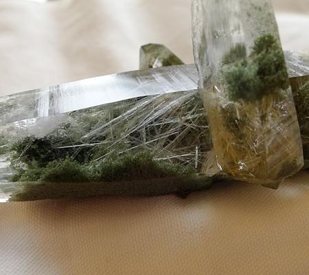 ヒマラヤ水晶原石緑泥石入り041-13