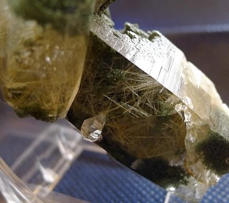 ヒマラヤ水晶原石緑泥石入り041-5