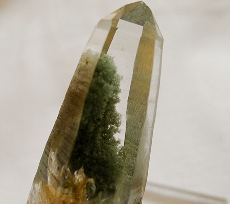 ヒマラヤ水晶原石緑泥石入り042-8