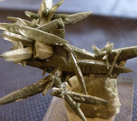 ヒマラヤ水晶原石緑泥石入り043-4