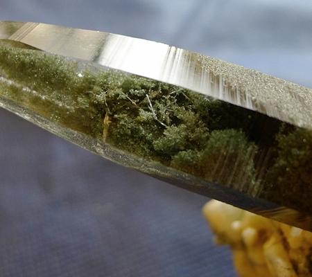 ヒマラヤ水晶原石緑泥石入り044-2