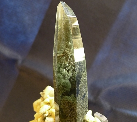 ヒマラヤ水晶原石緑泥石入り044-5